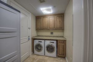 Laundry Room/Maids Entry